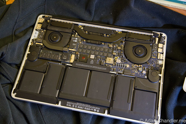 macbook air how to clean