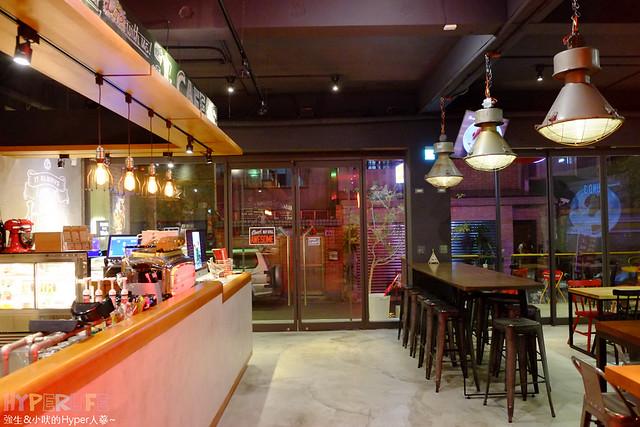 Emma's Cafe (49)