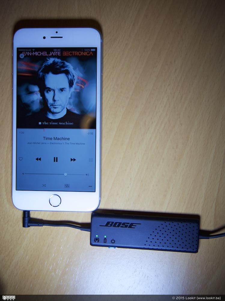 De batterij zit wel heel dicht bij de Audio Jack