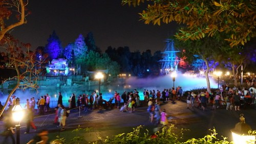 Ambiance at Disneyland Halloween Party