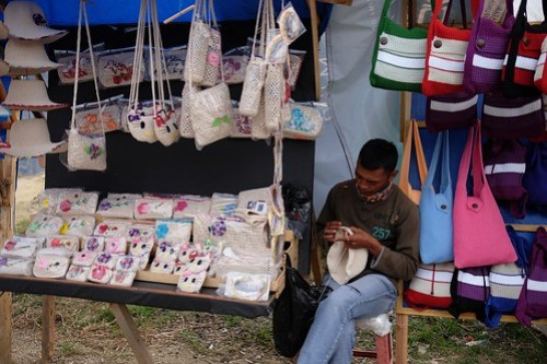 Please buy my handicraft... Mount Tangkuban Perahu #tangkubamperahu #wisatabandung #wisataindonesia