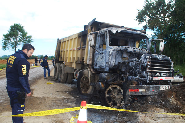 Camión quemado
