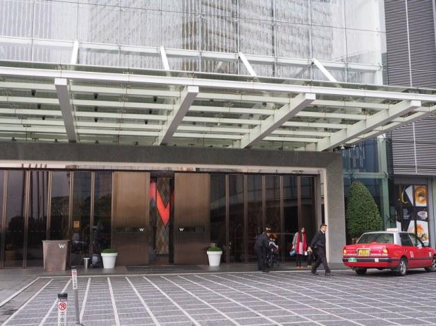 W香港 W HONG KONG入り口