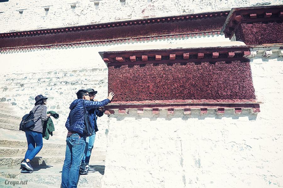 2015.12.04| Tibet 西藏踢北去 | 藏人的精神殿堂布達拉宮,但或許不只我們高山反應沒精神…10.jpg
