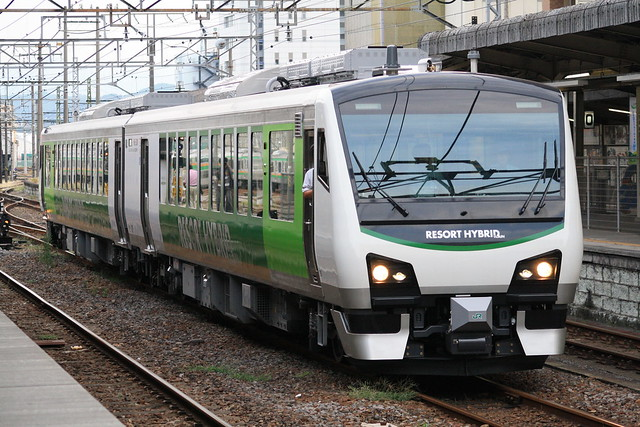 Series HB-E300 at Takasaki Sta.