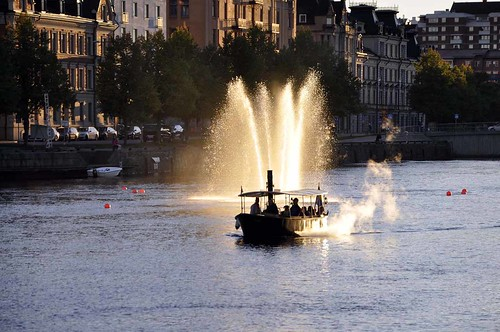 Moa af Norrköping ångar fram