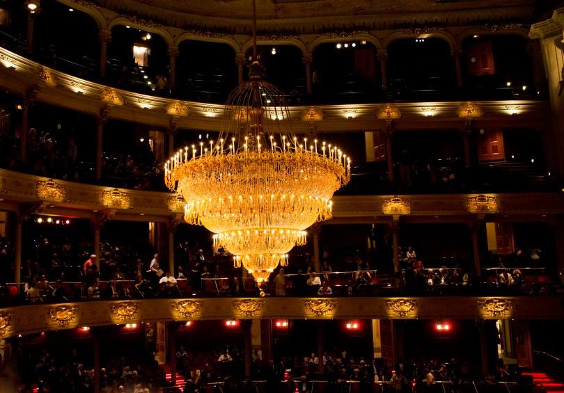 philadelphia-opera-academy-music-chandelier
