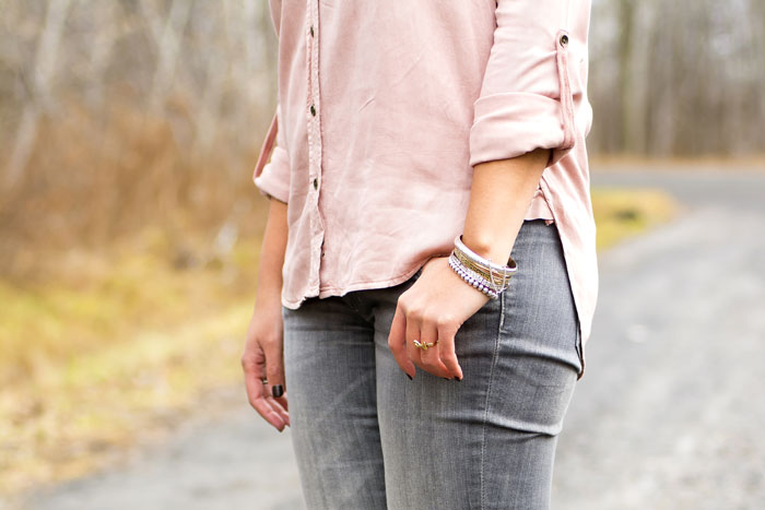 5-aeo-shirt-hm-grey-skinny-jeans