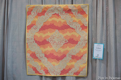 Scrollburst pieced and quilted by Angela Walters