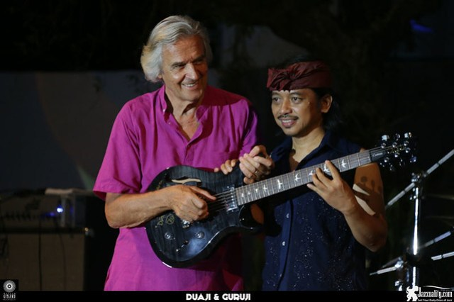 JohnMcLaughlin-guitar-RullyFabrian