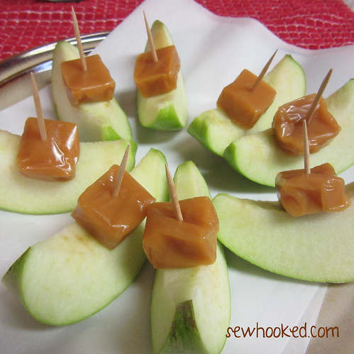 31 Days of Halloween - Caramel Apple Bites (4/6)