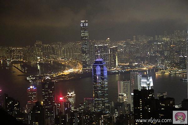 [香港]必訪景點.太平山夜景~山頂纜車站.搭著纜車上山賞積木般大樓堆疊而成的夜景.星光閃爍『凌霄閣摩天台』 @VIVIYU小世界