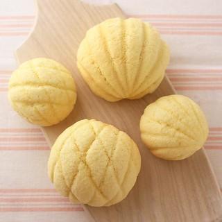 おにぃにゃんのパン、 や・け・た。 ちびっこサイズも。 #めろんパン #メロンパン #おうちパン #パンづくり #焼きたてパン #わかば工房 #wakabakobo #パン教室 #ふじみ野 #ホシノ天然酵母 #ホシノ丹沢酵母