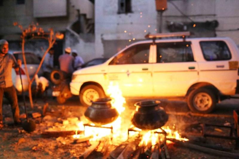 City Food - Browning the Onions, Hazrat Nizamuddin Basti