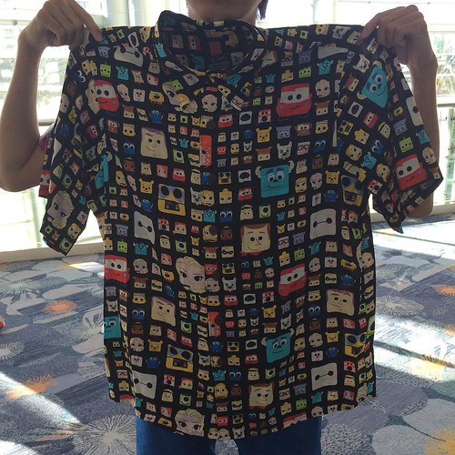 ラセター制作のアロハシャツ。初めて本物じっくり見た。