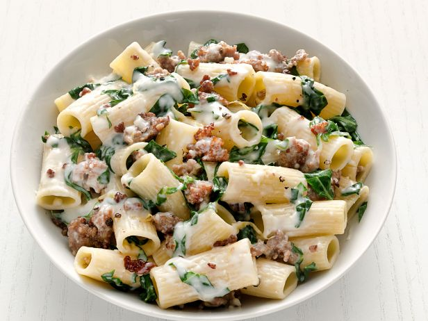 FNM_110114-Rigatoni-with-Swiss-Chard-and-Sausage-Recipe_s4x3.jpg.rend.sni18col