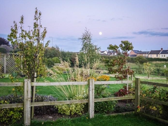 Full Moon over Bracken House (2)
