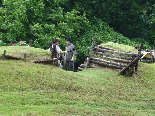 Vicksburg National Cemetery Park, Cannon Firing