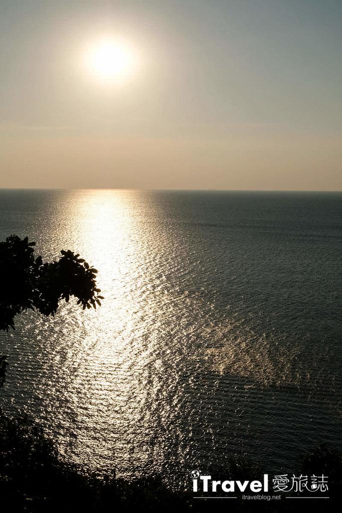 《沙美岛景点推荐》西岸夕阳景点巡礼:租赁摩托车南北贯穿奔驰,连续造访三个日落景点。