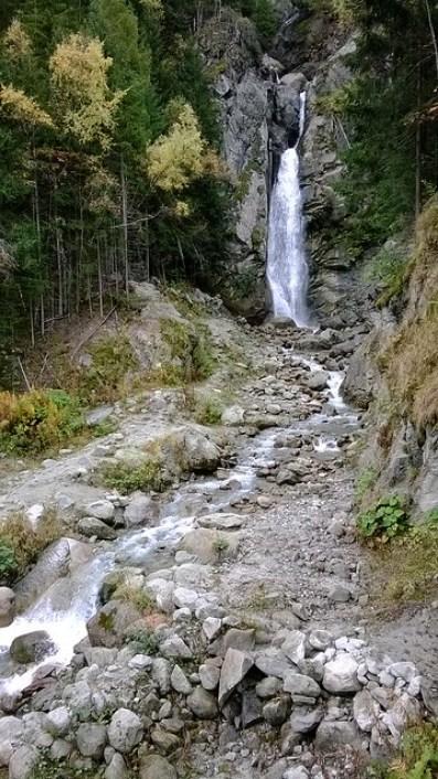 cascade du dard waterfall chamonix
