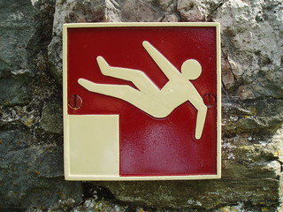Danger sign: Unprotected fall hazard