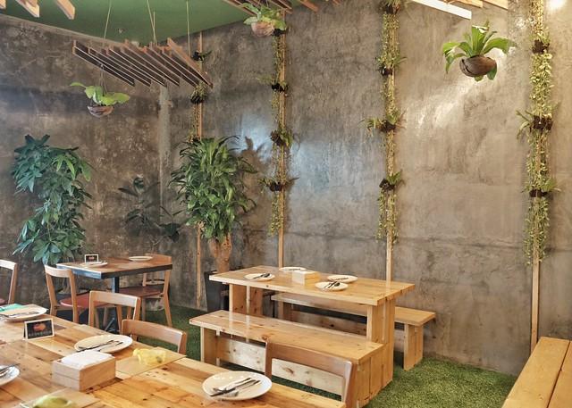 Inside Earth Kitchen