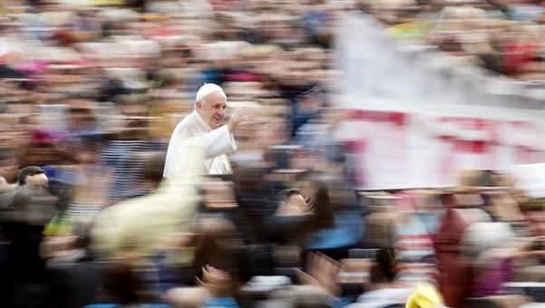 Sospecha el Vaticano de un complot contra el Papa
