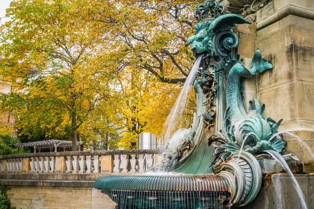 Eugensplatz Fountain