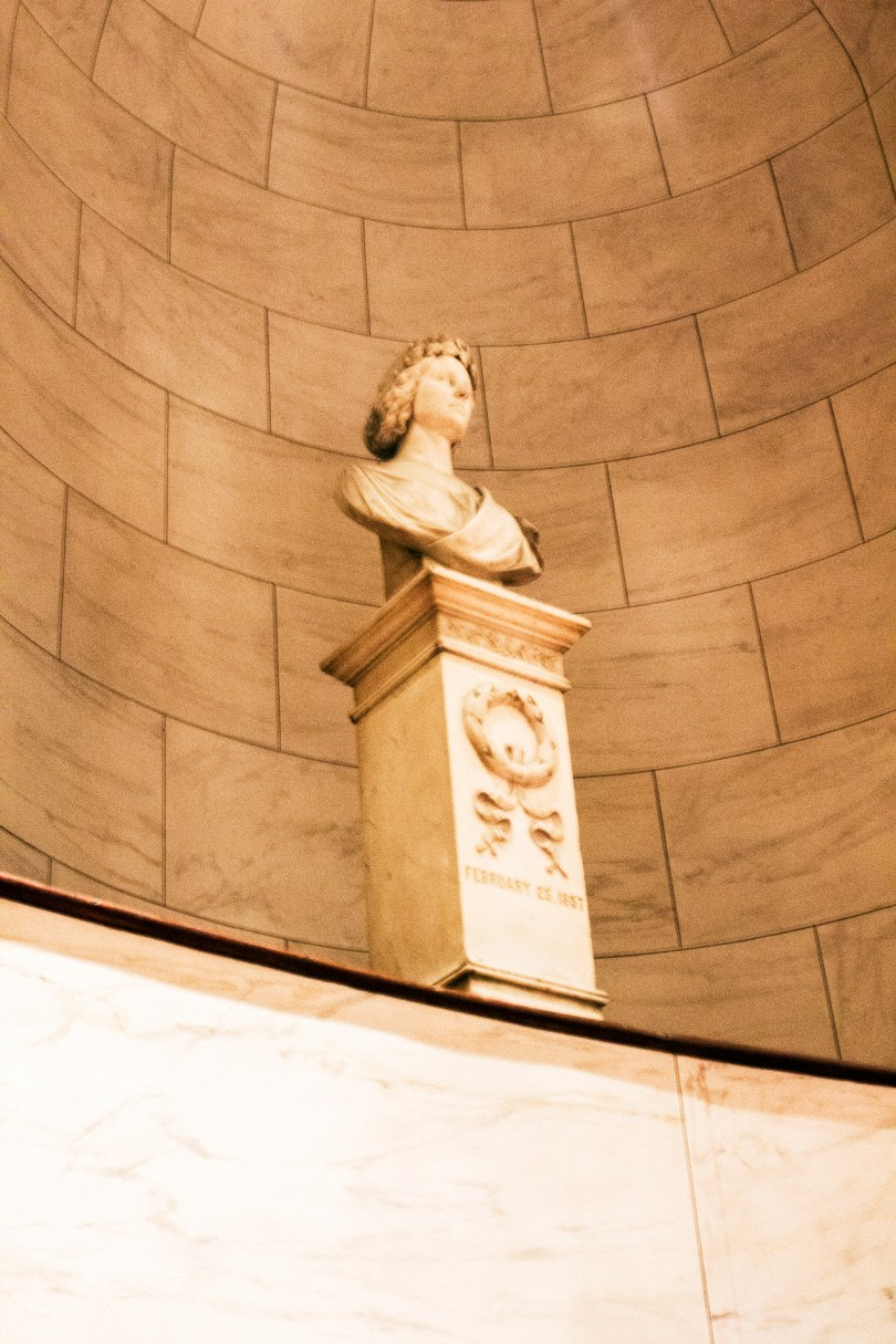 philadelphia-opera-academy-music-statue-marble