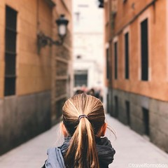 #walking #through the #historic and #colourfull #streets of #madrid #visitmadrid #visitamadrid #wanderlust #travel #travelgram #iphone7plus #vsco #vscocam #guardiancities #guardiantravelsnaps #blonde #girl #lonelyplanet #españa #igmadrid #igespaña #citytr