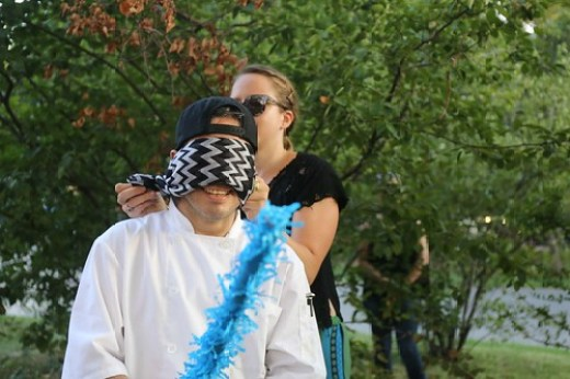 Ratter Smashes Trump Piñata