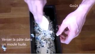 Gâteau moelleux au yaourt et pépites de chocolats