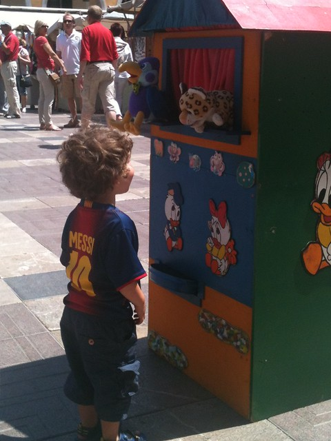 Palma de Mallorca with kids: puppet show in the square