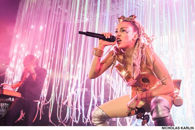 Miley Cyrus-24