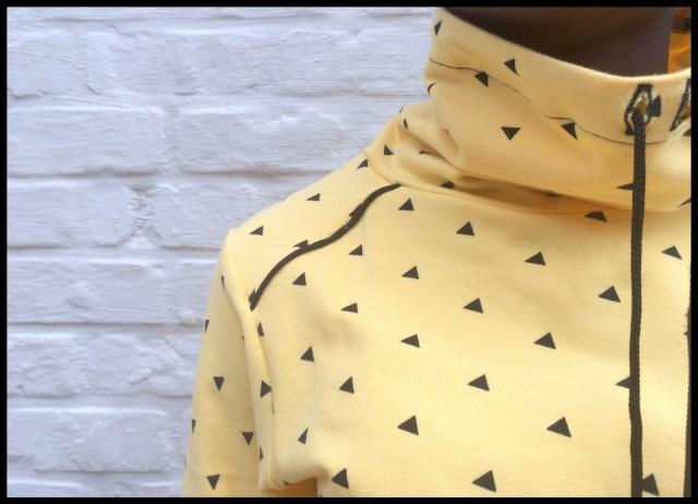 hide&seek sweater (close)