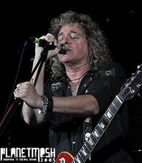 Dave Meniketti of Y&T live at Limelight 1, Belfast, 11 November 2015