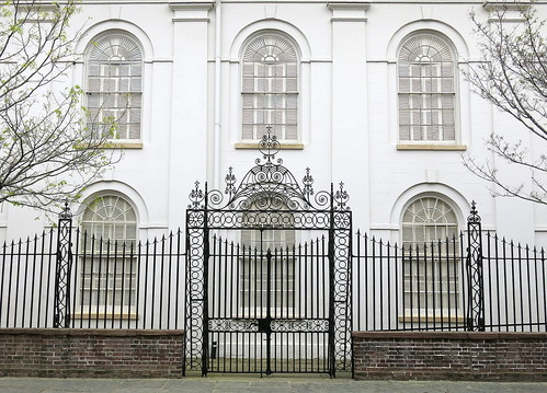 North aisle windows and the Clifford Street side gate (1822), St John's Lutheran Church, Charleston, SC
