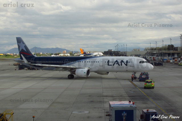 LAN Airlines - Santiago (SCL) - Airbus A321 CC-BEB