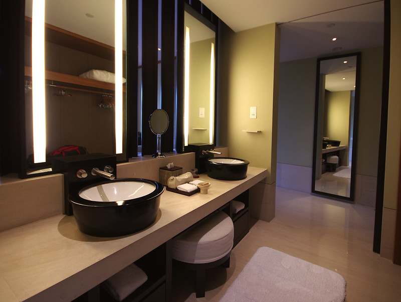 bathroom - capella singapore