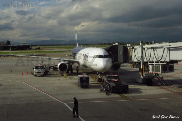 LAN Airlines - Santiago (SCL) - Airbus A321 CC-BEC