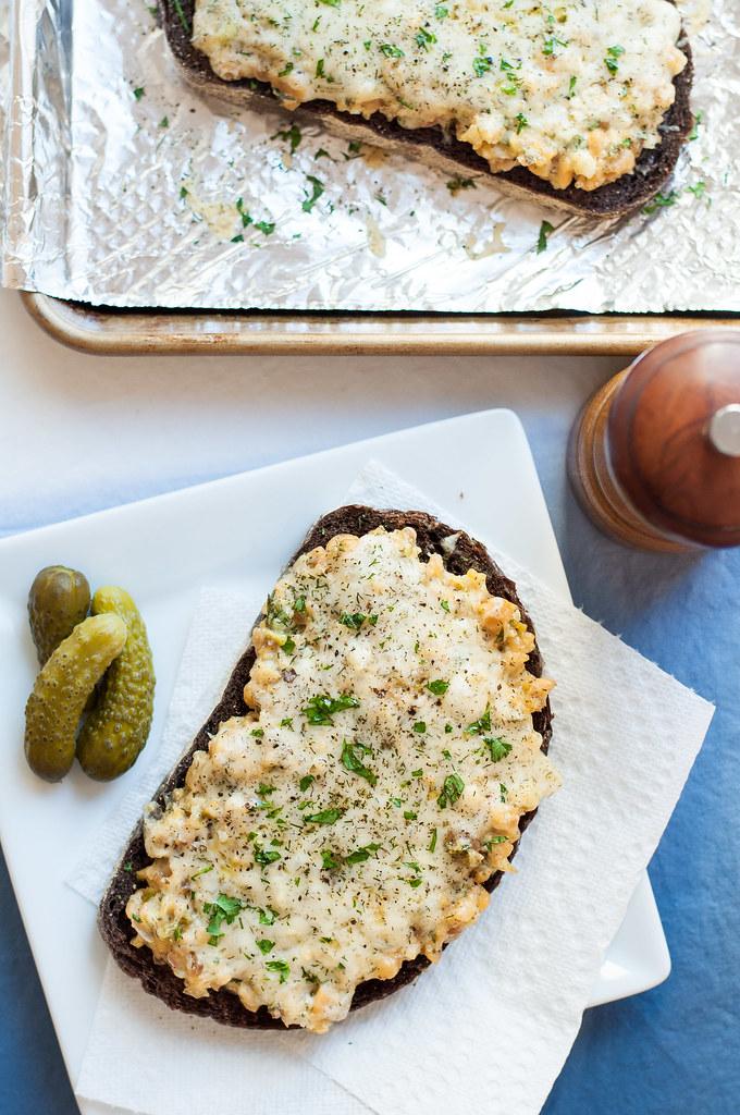Vegetarian tuna melt - a quick, throwback dinner gone meatless!