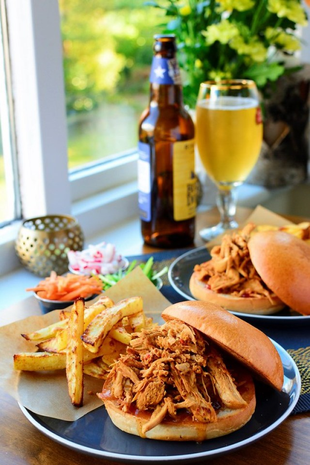 Ginger and Chilli Pulled Chicken in Soy Sauce with Spicy Chips