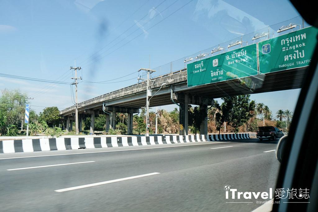 《曼谷包车接送》廊曼机场往返芭达雅自助不求人,在线预约Klook客路安全舒适的机场接送服务