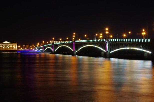 Троицкий мост, Санкт-Петербург, Россия. Вид ночью