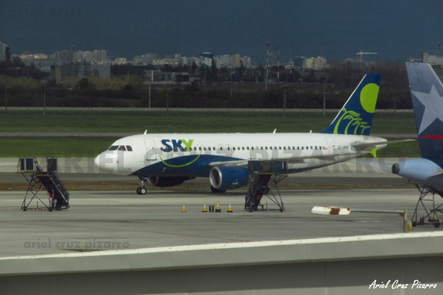 Sky Airline - Santiago (SCL) - Airbus A319 CC-AHE