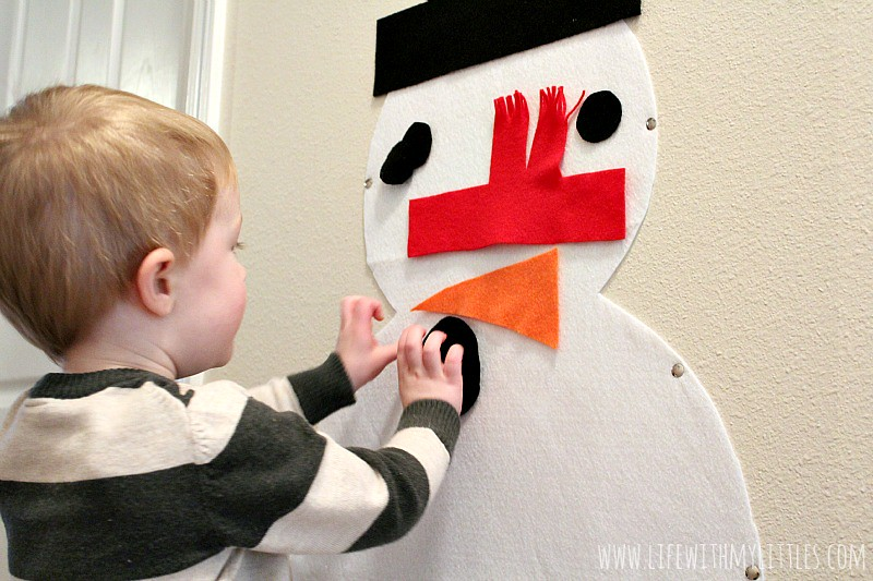 Do you want to build a snowman? This easy felt snowman is the perfect way to build a snowman inside over and over! And it couldn't be easier to make! What a fun winter craft for toddlers!