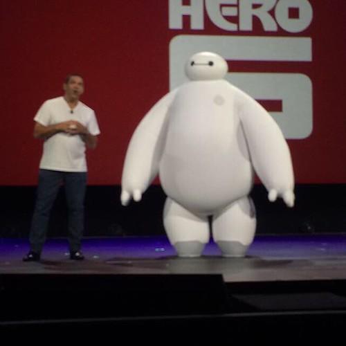 ディズニーインタラクティブの講演にはベイマックスが登場してました。