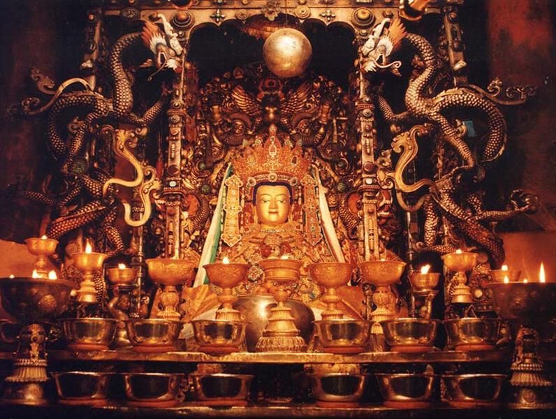 2015.12.09 | Tibet 西藏踢北去 | 尋找藏人真正的拉薩中心,被信仰力量震撼的大昭寺與舊城區 10.jpg
