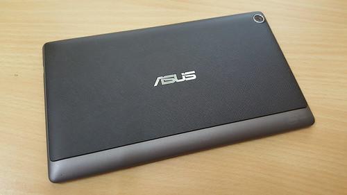 ASUS ZenPad 7.0 (Z370CG) ด้านหลัง