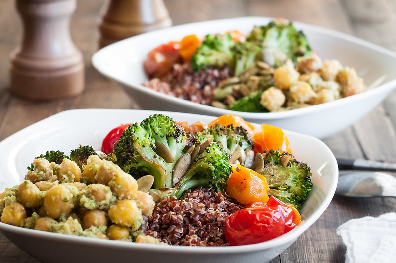 Spicy Italian broccoli quinoa bowls for a meatless, protein-packed dinner!